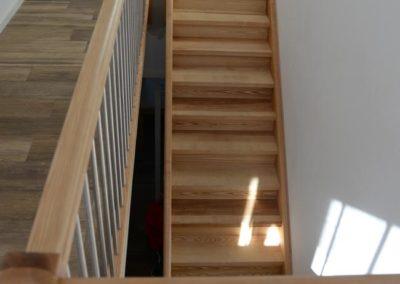 Moderne Holztreppe