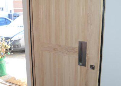 Moderne einbruchsichere Haustüre