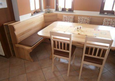 Esstisch mit Stühlen und Eckbank