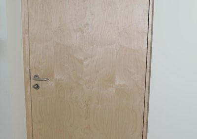 Wohnungstür aus Holz