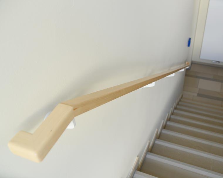 Handlauf aus Holz von Schreinerei Dietz